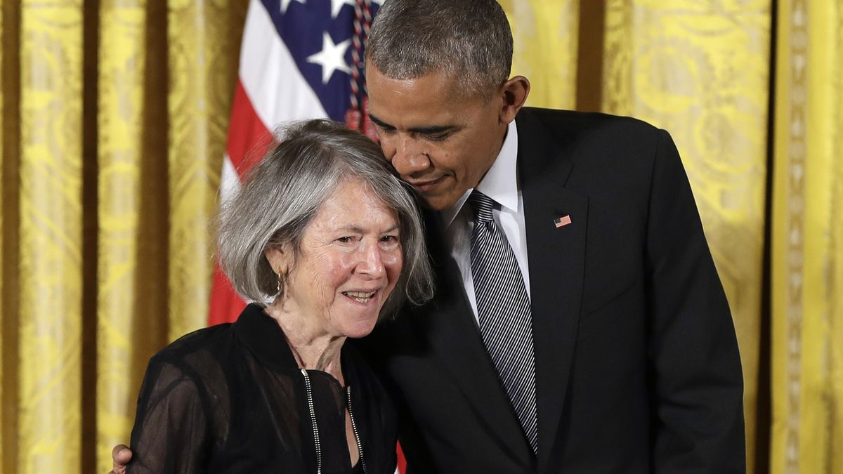 """In this Thursday, Sept. 22, 2016 file photo, President Barack Obama embraces poet Louise Gluck before awarding her the 2015 National Humanities Medal during a ceremony in the East Room of the White House, in Washington. The 2020 Nobel Prize for literature has been awarded to American poet Louise Gluck """"for her unmistakable poetic voice that with austere beauty makes individual existence universal.""""  ()"""
