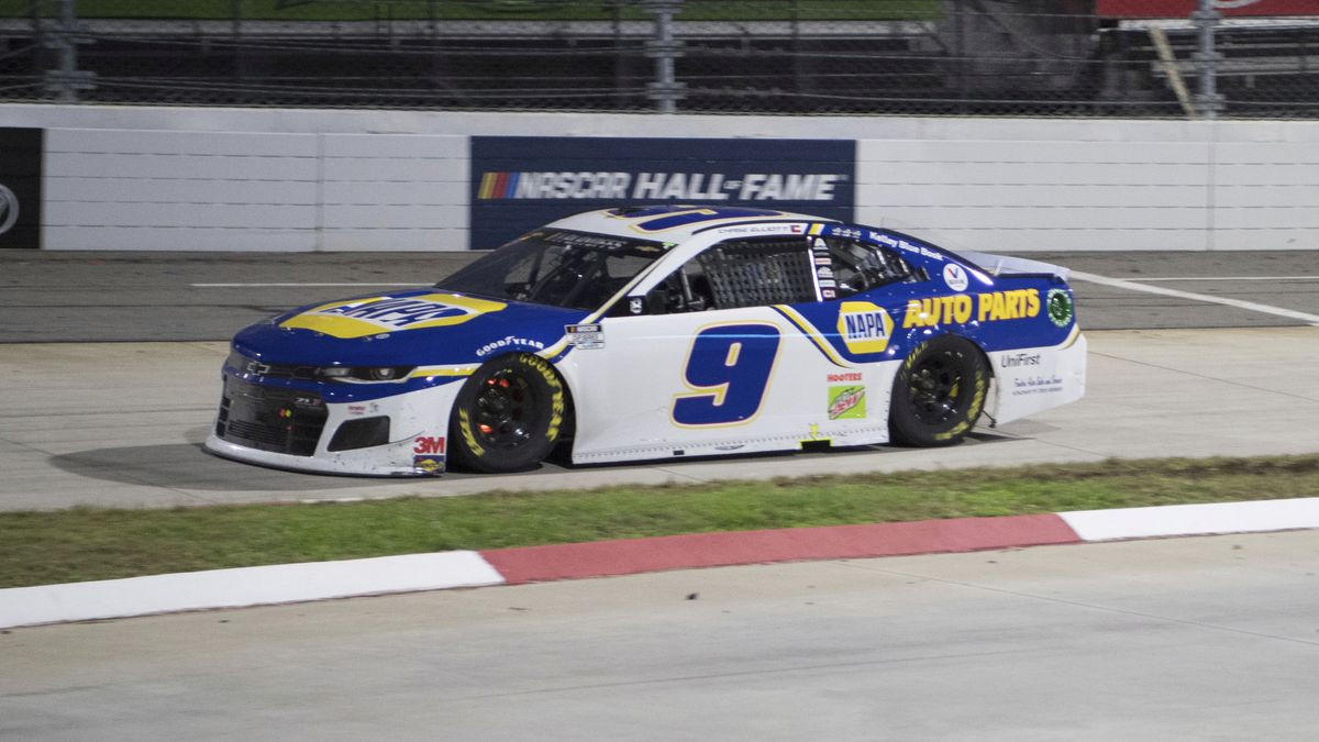Chase Elliott (9) drives during final laps during a NASCAR Cup Series auto race at the...