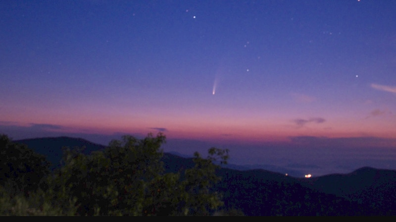 Newly-discovered comet NEOWISE spotted from southwest Virginia.