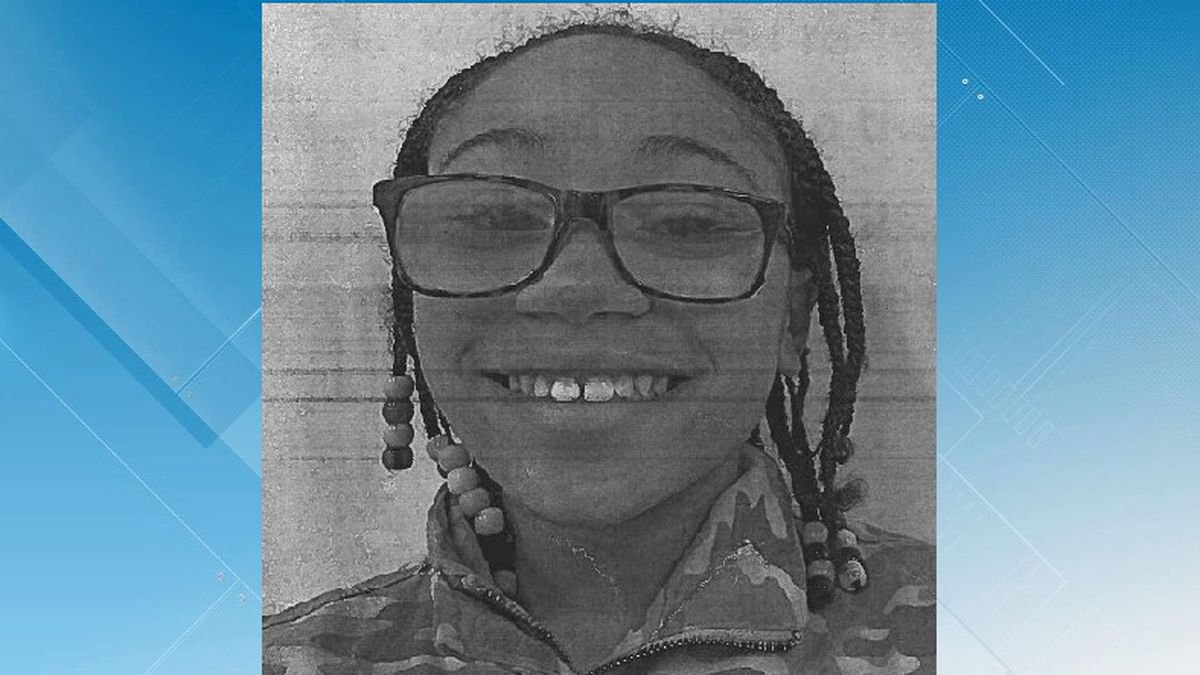 Roanoke Police are looking for 12-year-old Anaya Meadows.