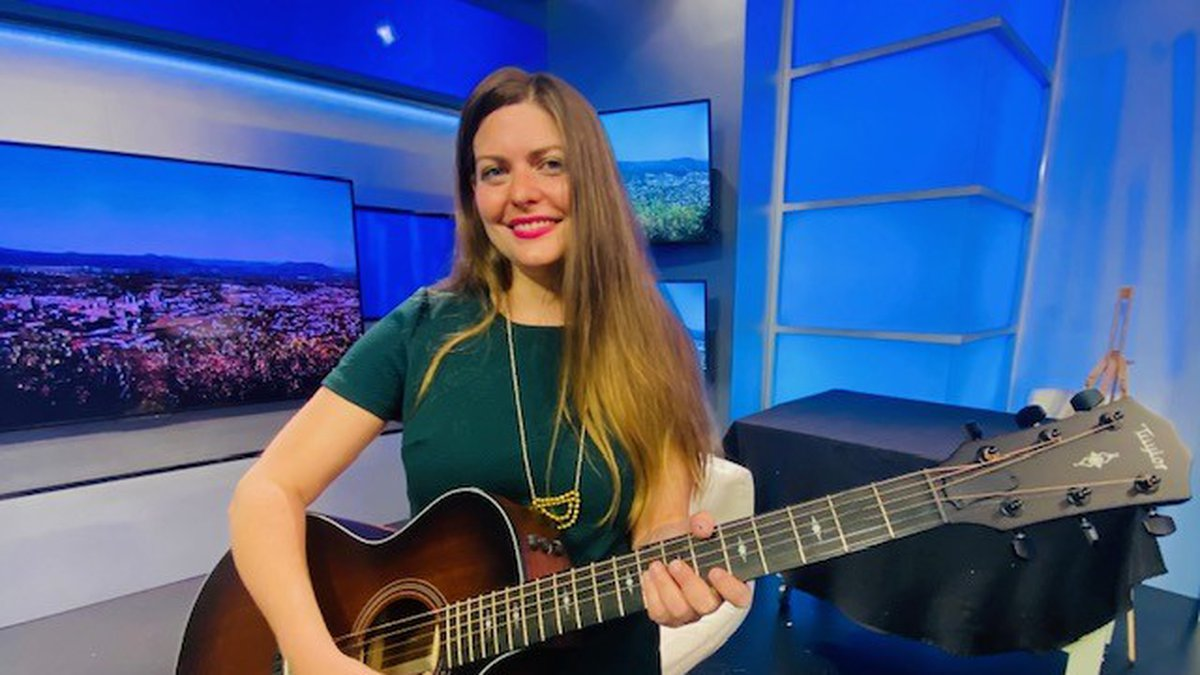 Singer-songwriter Amanda Bocchi stopped by our WDBJ7 studios with a preview of the festival