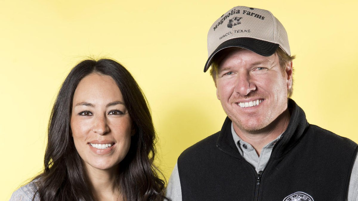 In this March 29, 2016 photo, Joanna Gaines, left, and Chip Gaines pose for a portrait in New...