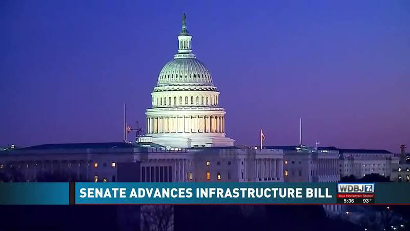 Kaine, Warner Talk Infrastructure