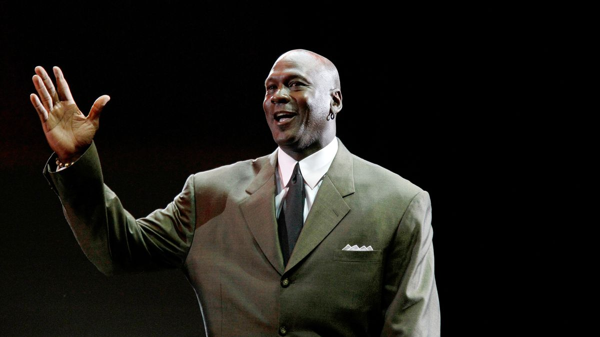 "Michael Jordan appears during a star-studded double-taping of ""Surprise Oprah! A Farewell..."