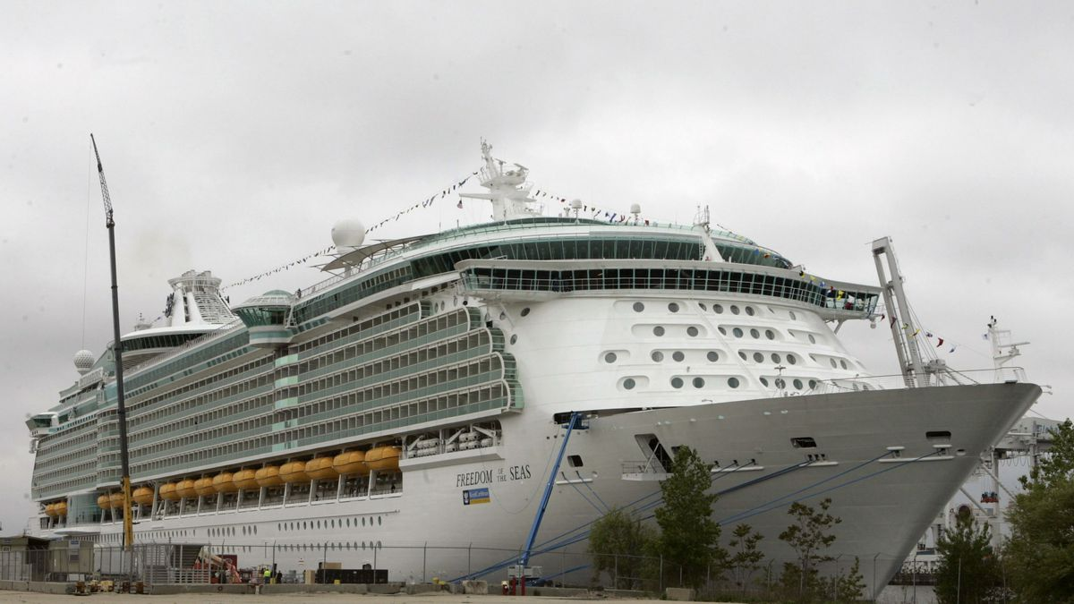 """FILE - This May 11, 2006 file photo shows the Freedom of the Seas cruise ship docked in Bayonne, N.J. . Salvatore Anello of Valparaiso, Indiana, earlier said he would drop a not-guilty plea to help end what he called """"this nightmare"""" for his family."""