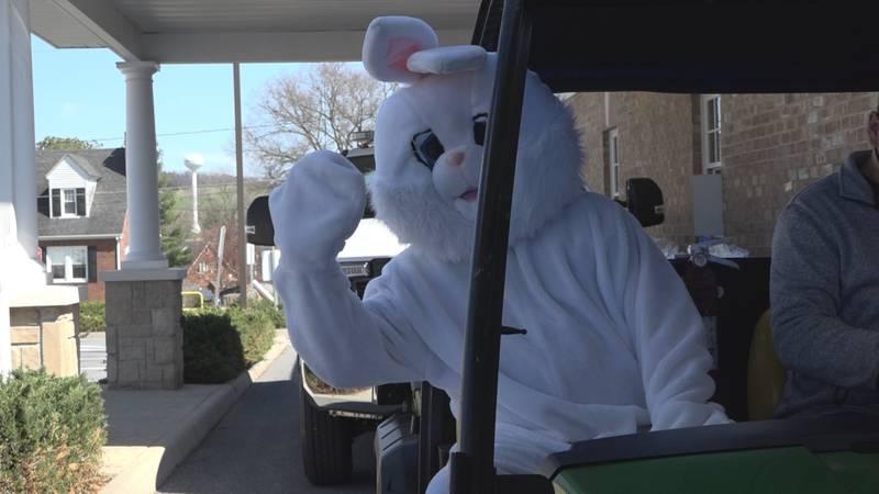 Easter Bunny hops through Dayton