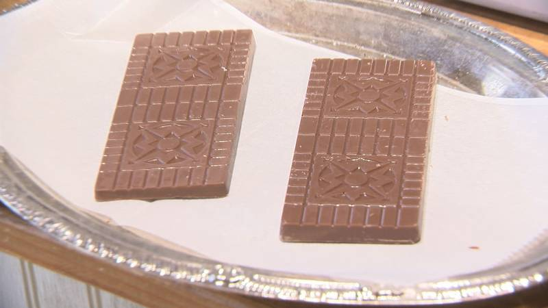 A pair of chocolate bars in the shape of Lexington bricks at the Cocoa Mill.