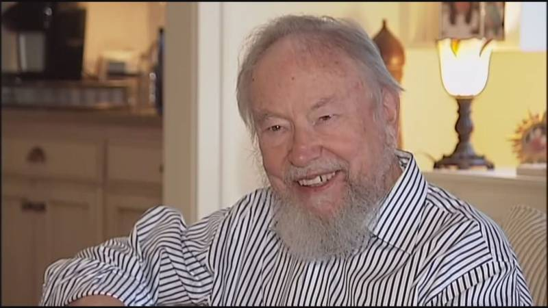Frosty Landon, longtime editor of the Roanoke Times and advocate for open government has died.