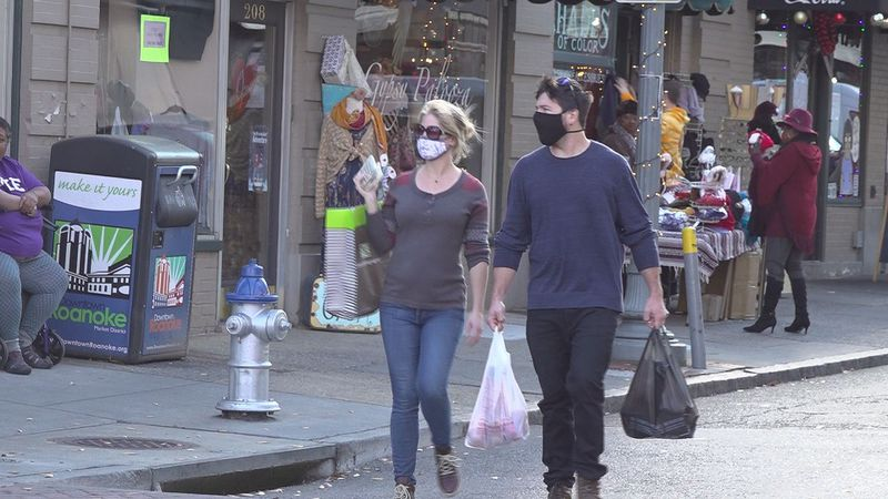 People shop local in Roanoke all Small Buisness Saturday.