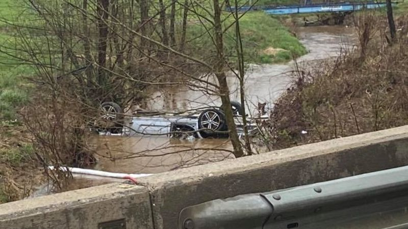 Crash into creek at Bedford/Campbell county line